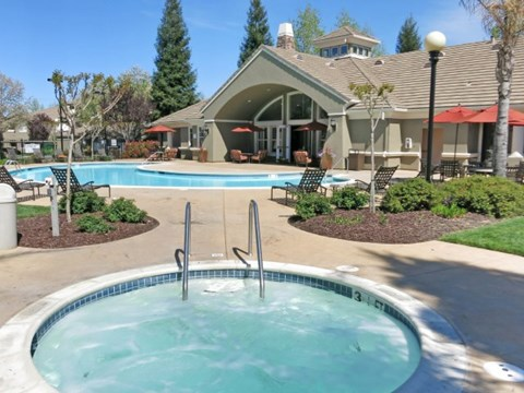 Roseville, CA Apartments - Pinnacle at Galleria Hot Tub