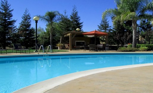 Swimming Pool - Apartments in Roseville CA