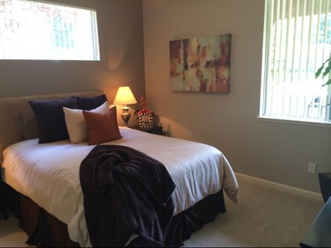 Apartments for Rent in Roseville, CA - Pinnacle at Galleria Bedroom