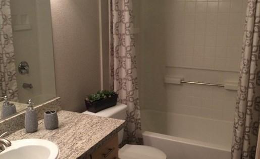Roseville, CA Apartments - Pinnacle at Galleria Bathroom