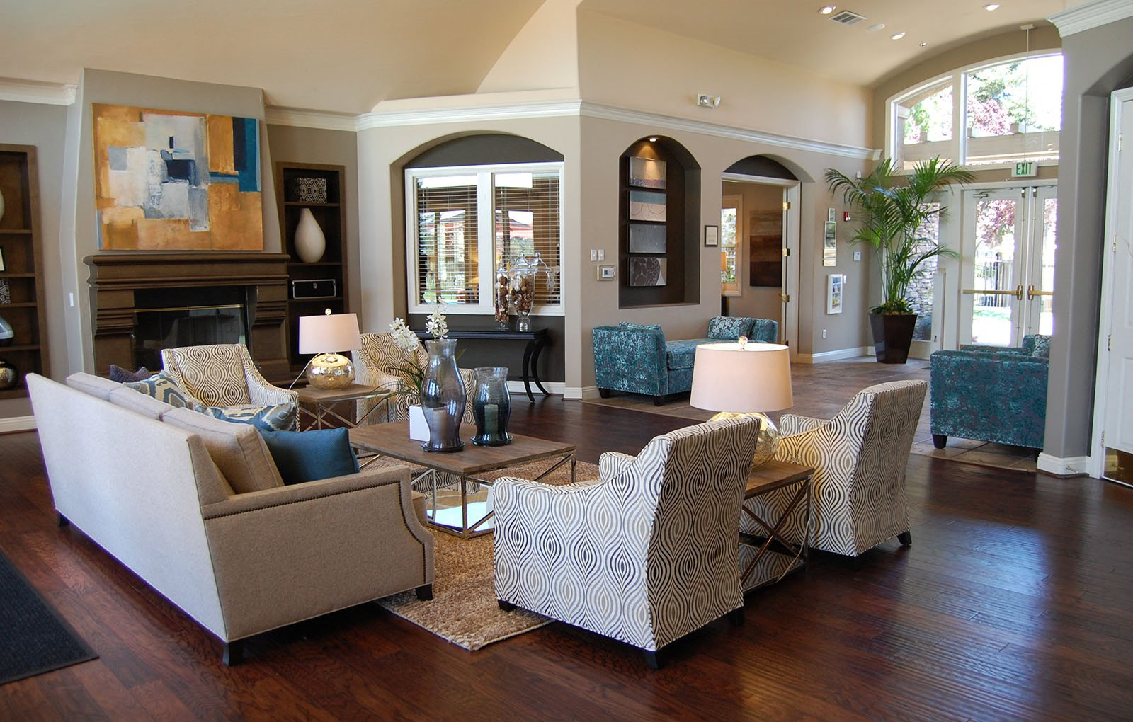 PINNACLE AT GALLERIA | Apartments | Rosville