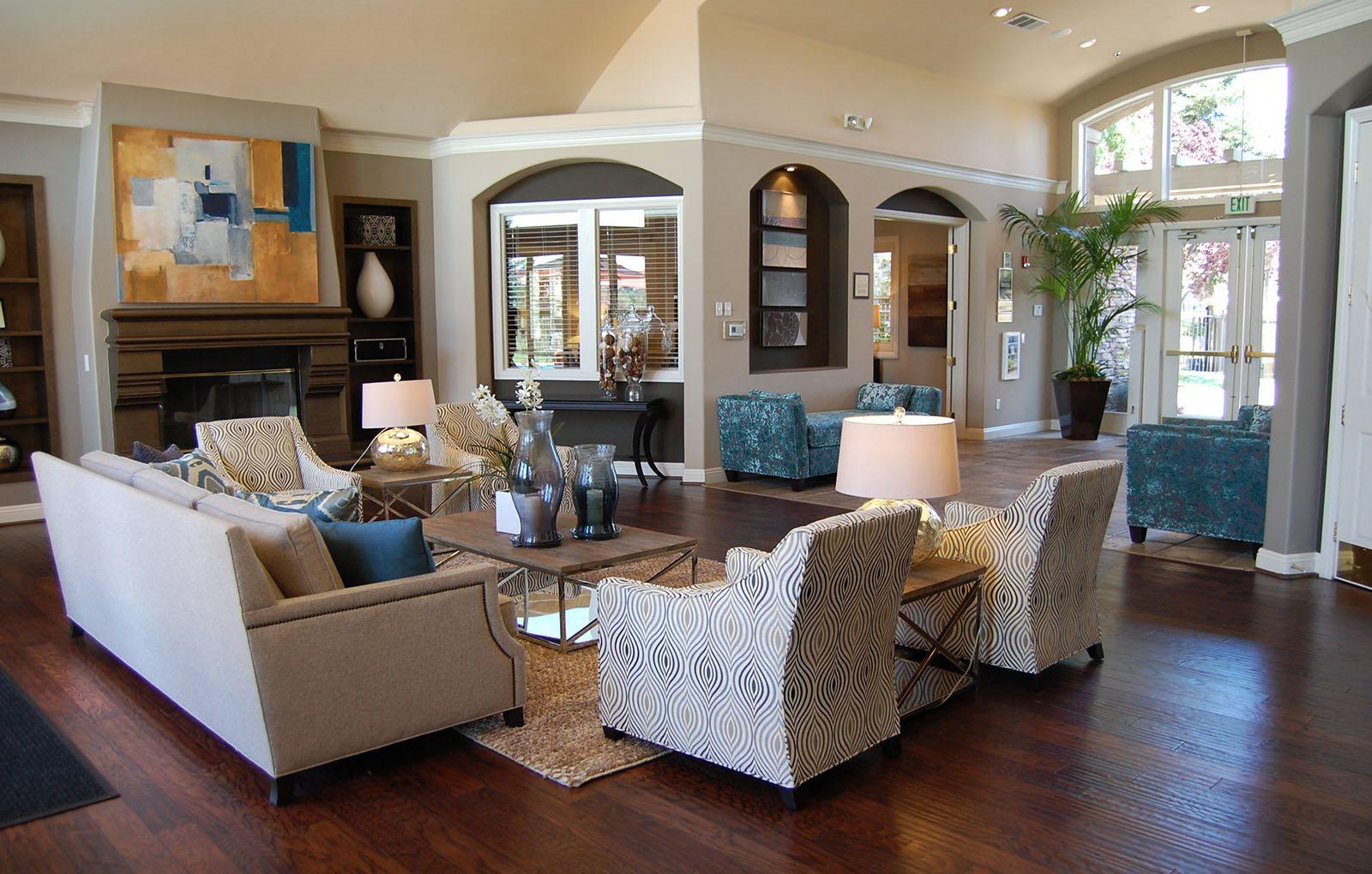 Luxury Roseville CA Apartments | Pinnacle at Galleria