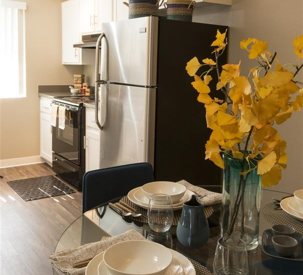 Lakewood CA Apartments for Rent - Vicino Kitchen