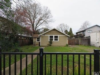 1037 4th St. 2 Beds House for Rent Photo Gallery 1
