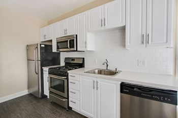 1349 N. Hill Avenue Studio-1 Bed Apartment for Rent Photo Gallery 1