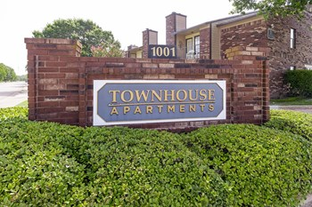 1001 Biloxi Dr. 1-2 Beds Apartment for Rent Photo Gallery 1
