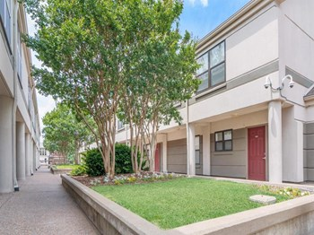 1921-2041 Scarritt Place 1-3 Beds Apartment for Rent Photo Gallery 1