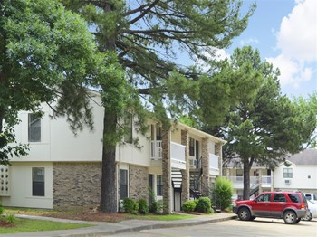 300 S. Donaghey Ave, Bldg. O 1-2 Beds Apartment for Rent Photo Gallery 1