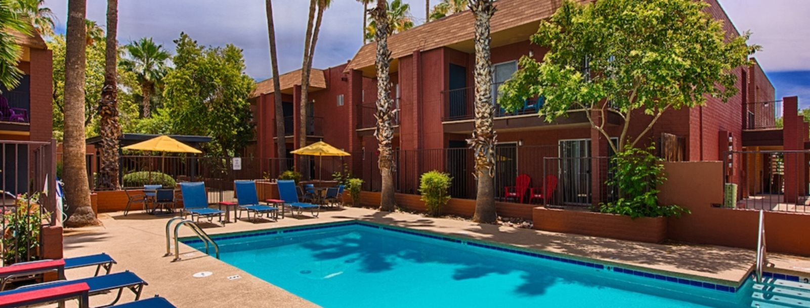 Sparkling Swimming Pool at Fountain Plaza Apartments, Tucson, 85712
