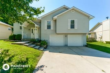 1620 NE Stonewood Dr 3 Beds House for Rent Photo Gallery 1