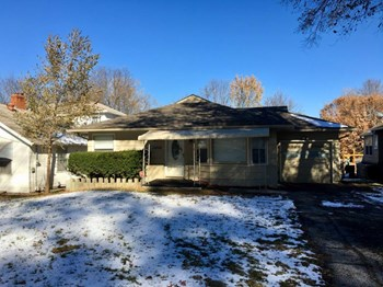 11222 E 20th Ave 3 Beds House for Rent Photo Gallery 1