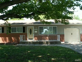 805 Shepley Dr 4 Beds House for Rent Photo Gallery 1
