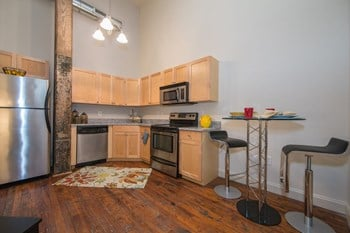 1309 West Broad Street 2 Beds Apartment for Rent Photo Gallery 1