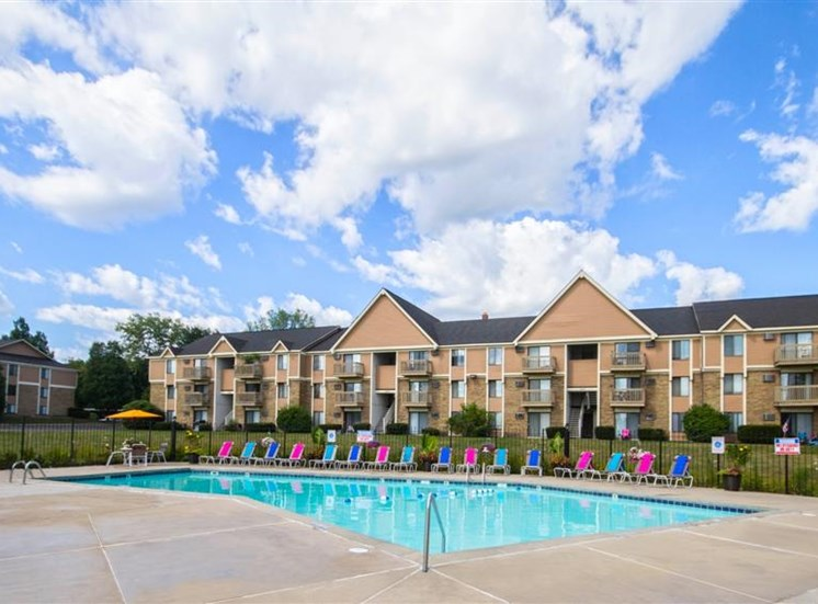 Large Sparkling Pool at The Orchards Apartments Located in Grand Rapids, MI