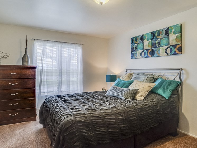 Large apartment bedrooms available in Grand Rapids, MI