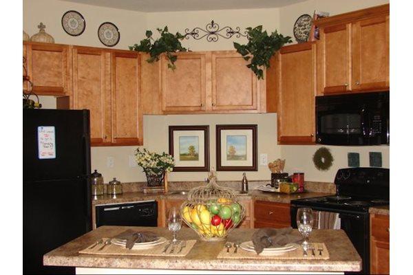 Legends at Oak Grove Apartment Homes Knoxville, TN 37918 Black G.E. Appliances