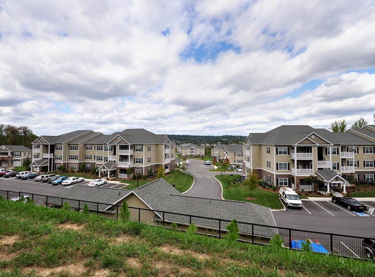 Legends at Oak Grove Apartment Homes Knoxville, TN 37918 hill top view of community
