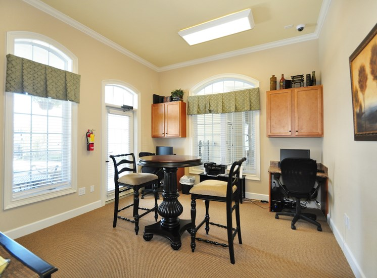 Legends at Oak Grove Apartment Homes Knoxville, TN 37918 social room with kitchen