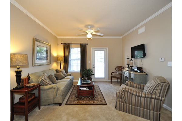 Legends at Oak Grove Apartment Homes Knoxville, TN 37918 9 ft ceilings