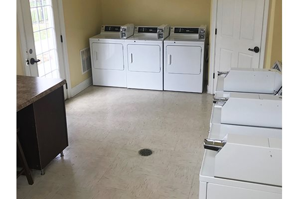 Legends at Oak Grove Apartment Homes Knoxville, TN 37918 clothing care center