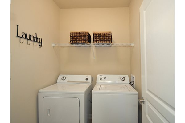 Legends at Oak Grove Apartment Homes Knoxville, TN 37918 washer and dryer connections