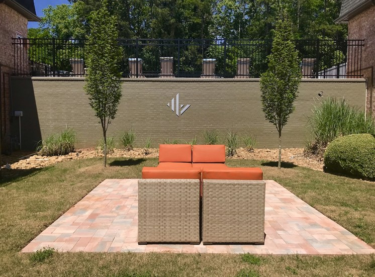 Terraces at Summerville Augusta, GA 30904 outdoor lounge