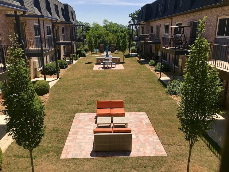 aerial view of Terraces at Summerville courtyard