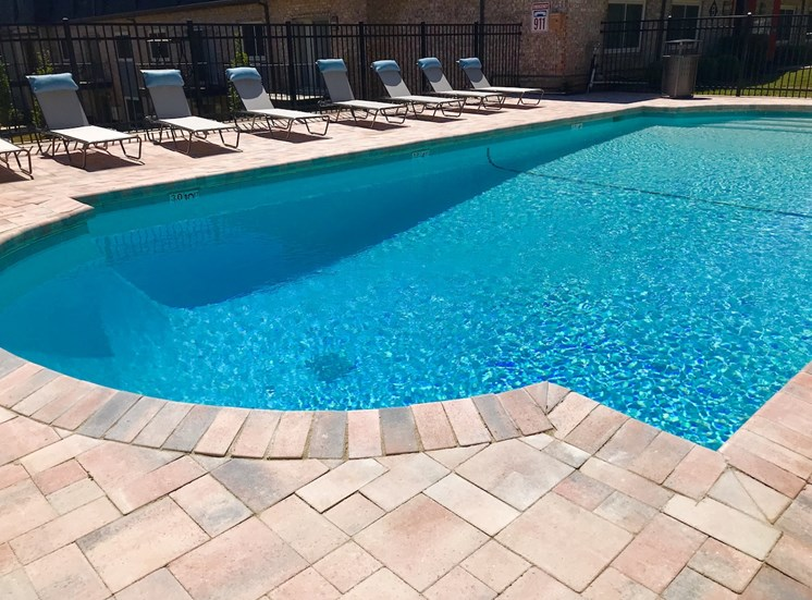 Terraces at Summerville Augusta, GA 30904 large sparkling pool