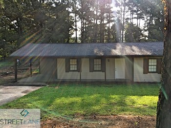 4802 Hemlock Drive 3 Beds House for Rent Photo Gallery 1
