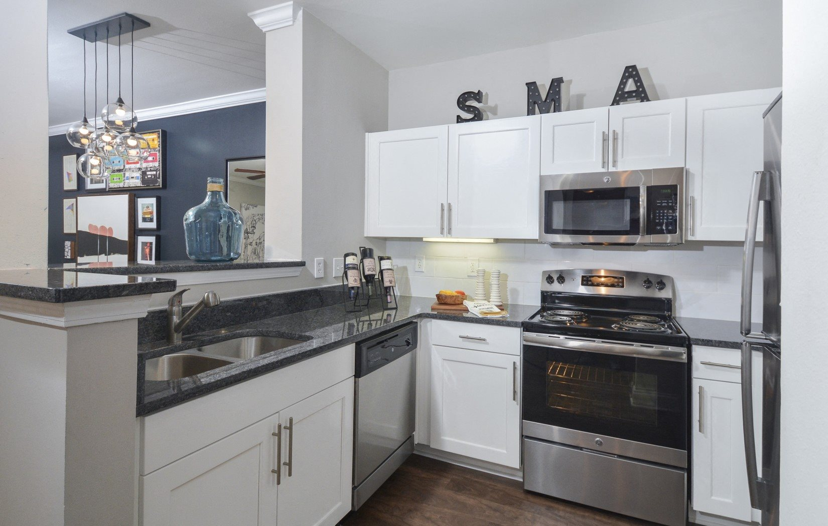 stainless steel appliances | Savannah Midtown Apartments in Atlanta, GA