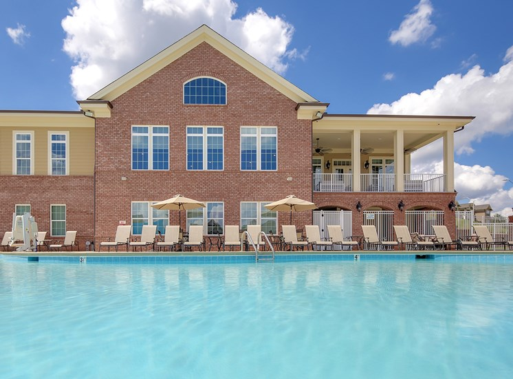Outdoor zero-entry pool at The Villages at McCullers Walk, Raleigh