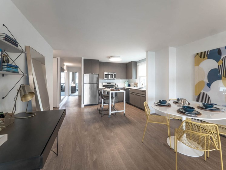 Mid-Century Modern Studio Apartment at Wave, Chicago