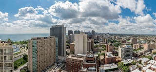 Stunning Skyline City Views at Wave, Chicago, 60657