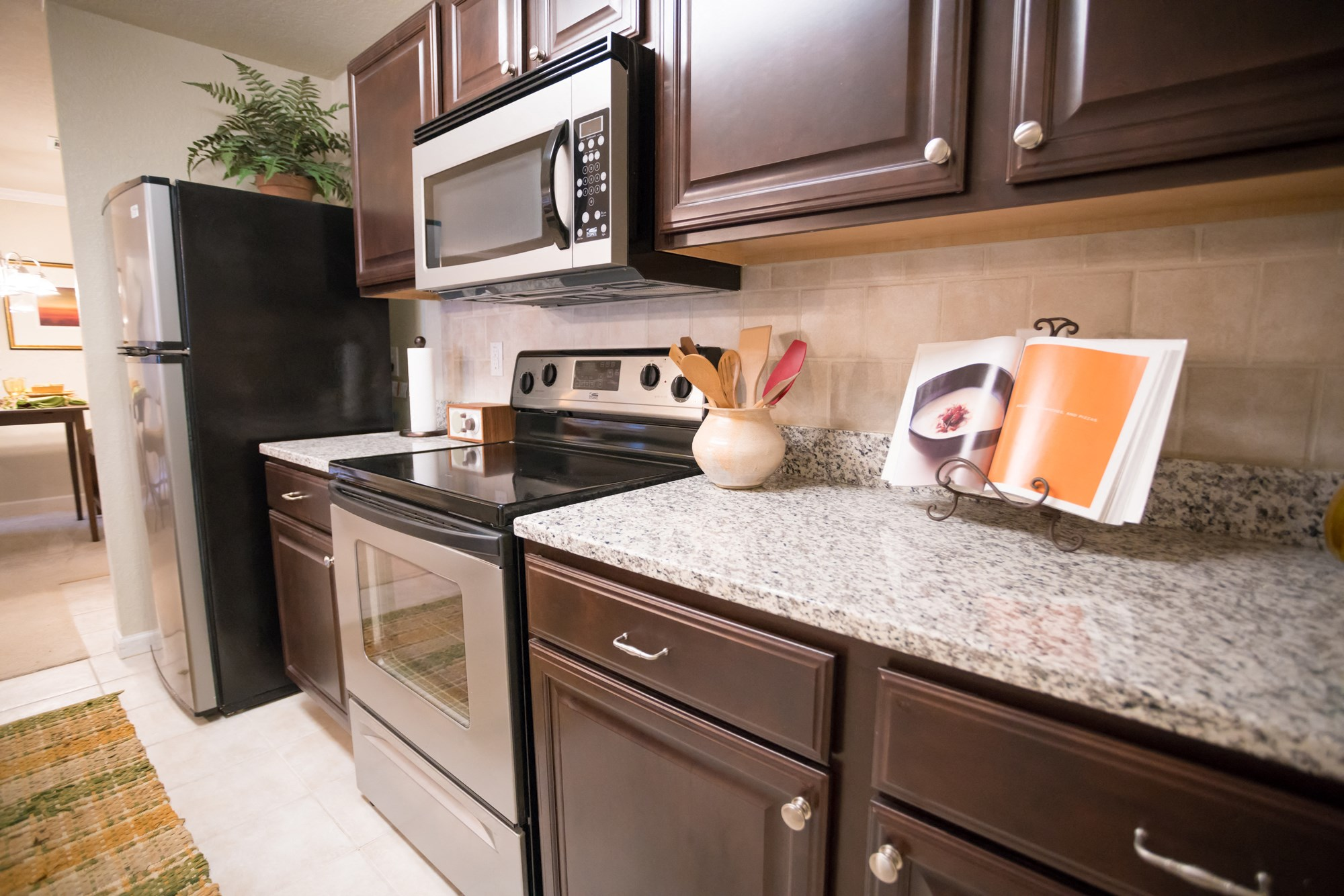 Deluxe Kitchen at The Haven at Commons Park Apartments in Chattanooga, TN