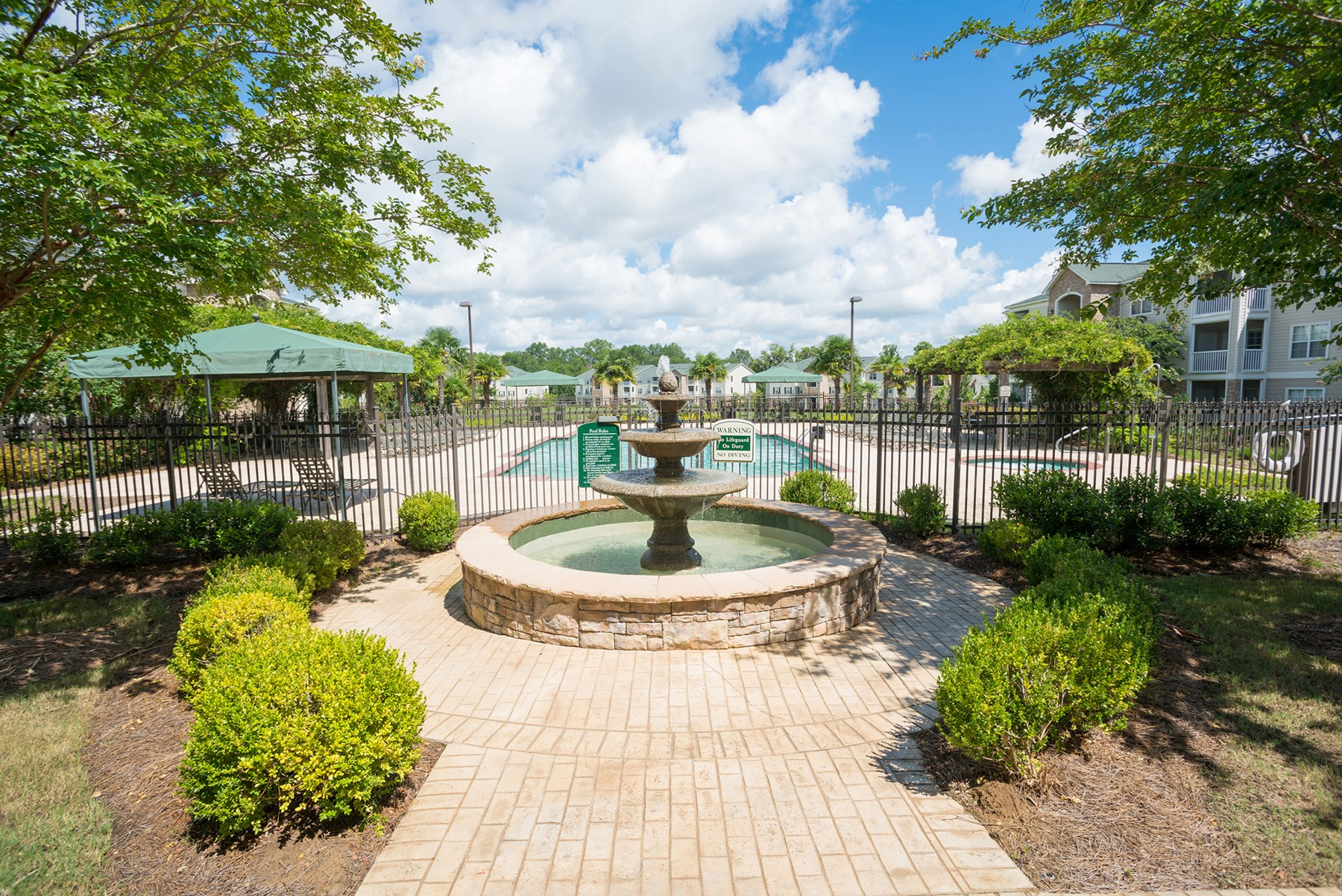 Fountain at Verandas at Taylor Oaks Apartments in Montgomery, AL
