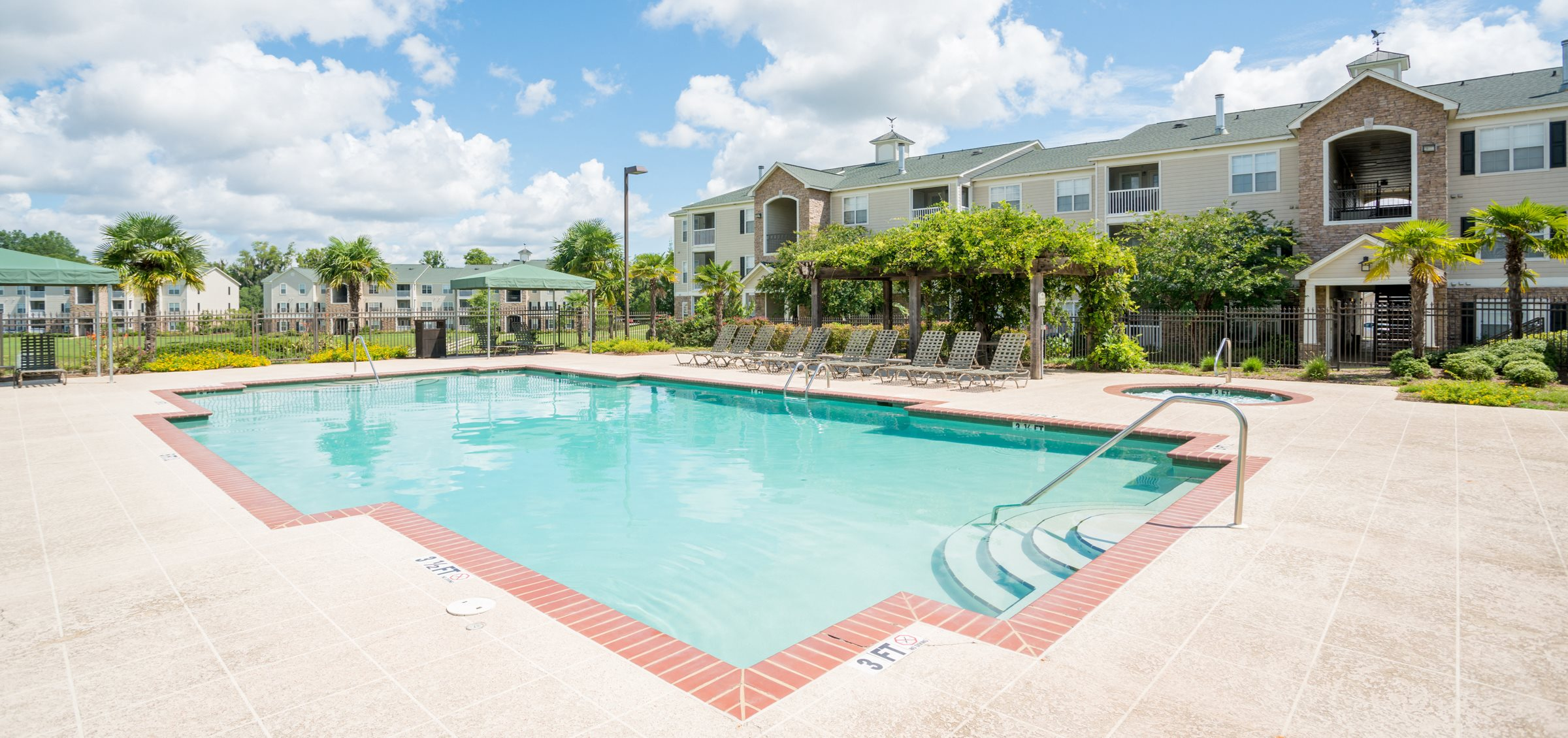 Swimming Pool at Verandas at Taylor Oaks Apartments in Montgomery, AL
