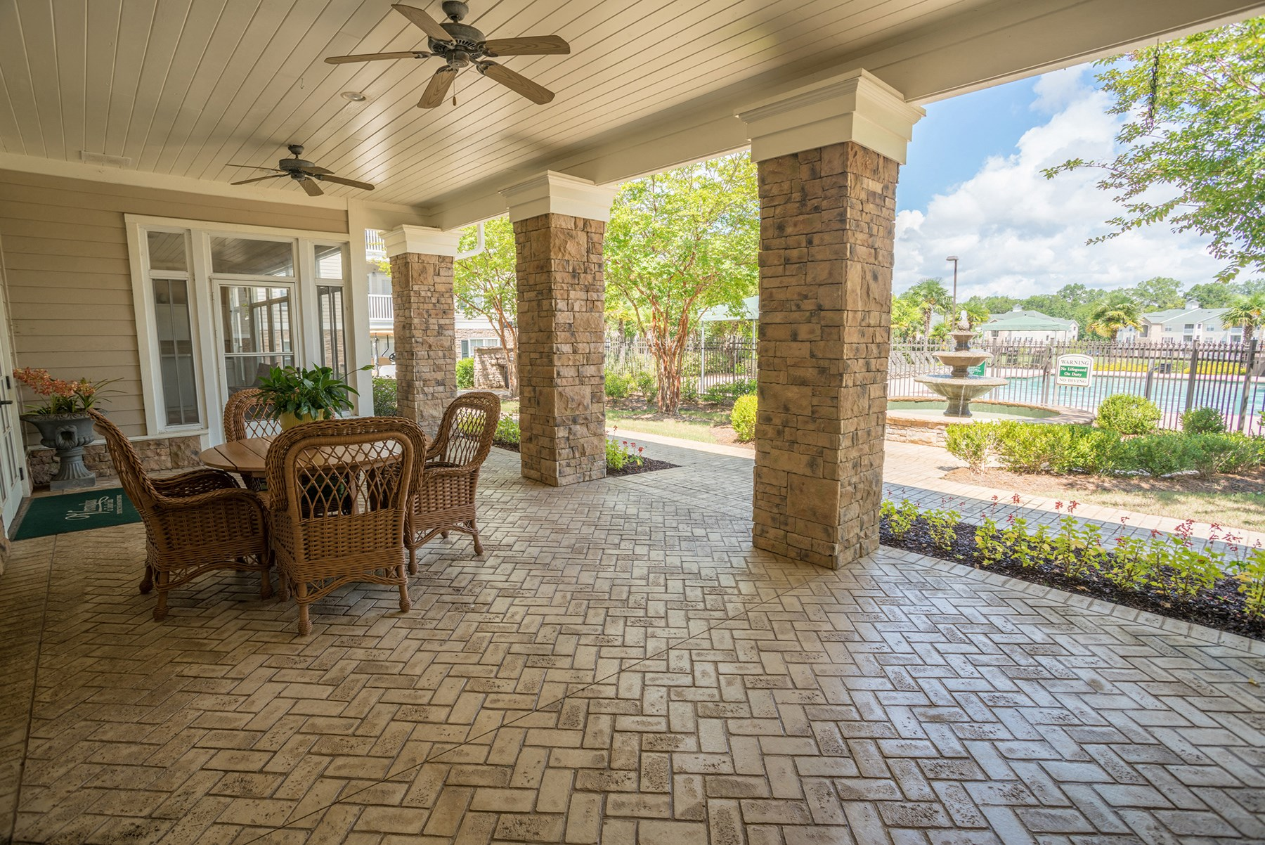 Clubhouse Patio at Verandas at Taylor Oaks Apartments in Montgomery, AL