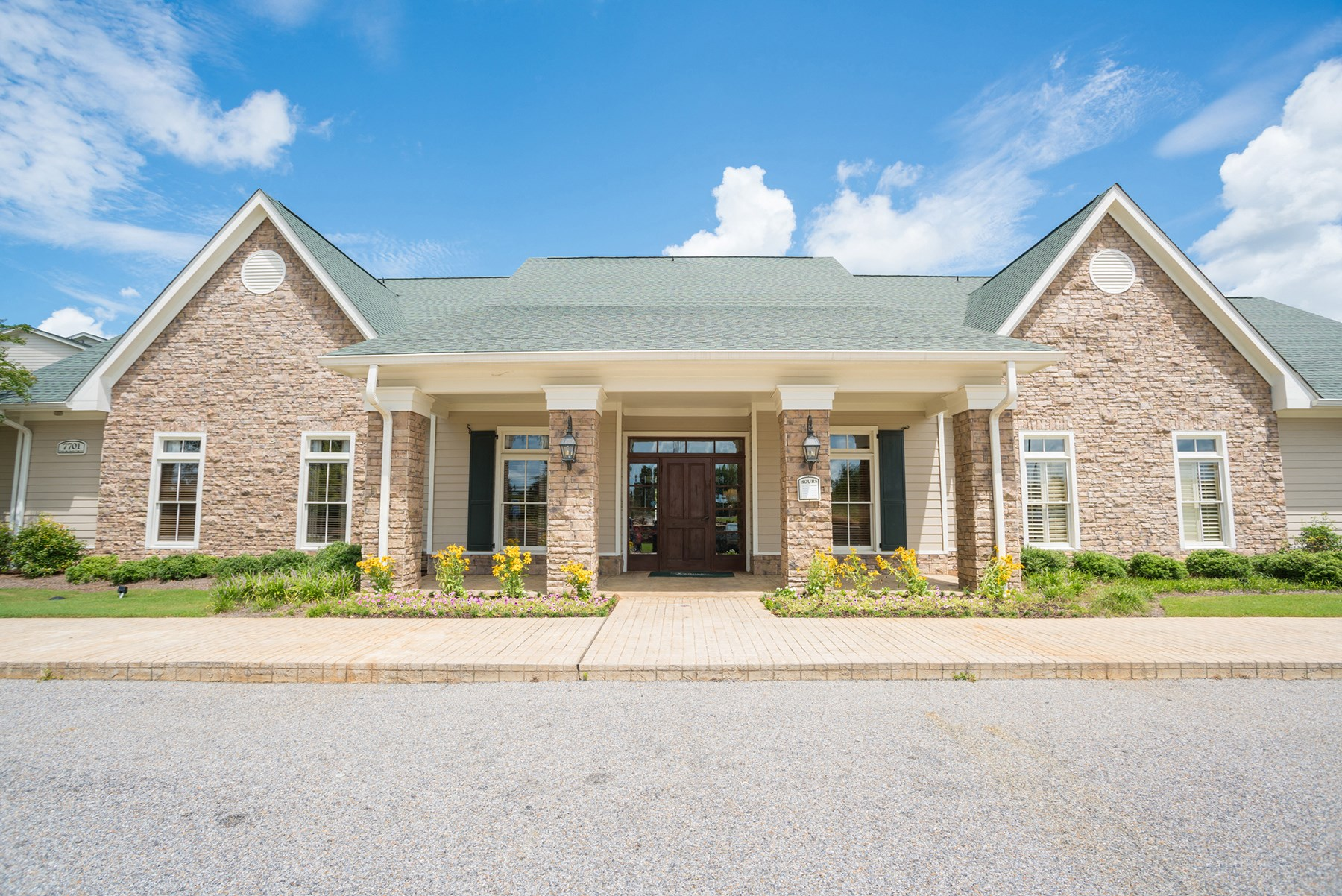 Exterior at Verandas at Taylor Oaks Apartments in Montgomery, AL
