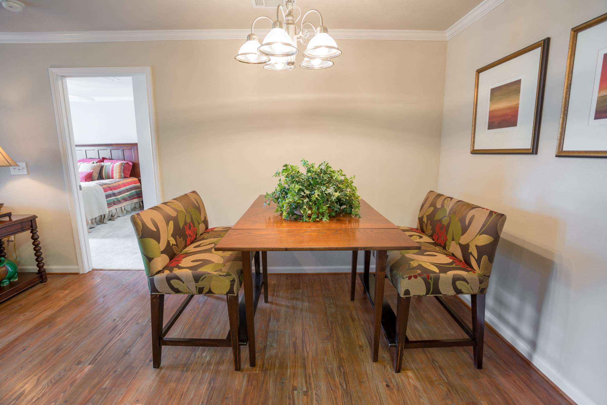 Dining Area at Verandas at Taylor Oaks Apartments in Montgomery, AL