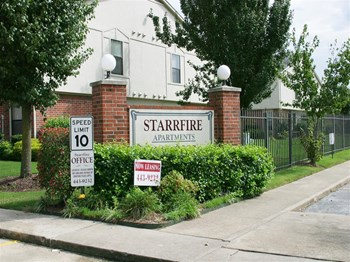 986 W. Bob Place #1 1-2 Beds Apartment for Rent Photo Gallery 1