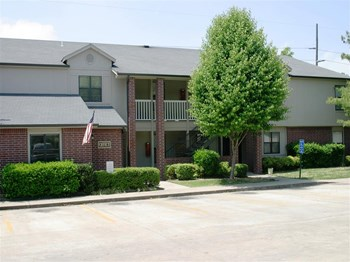 1570 Ione Place, #104 1-2 Beds Apartment for Rent Photo Gallery 1