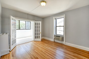 2200 19th St NW Studio-2 Beds Apartment for Rent Photo Gallery 1