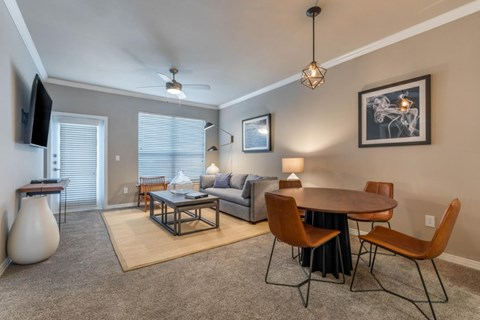 The Lincoln at Towne Square Apartments | Fully Furnished Living Room