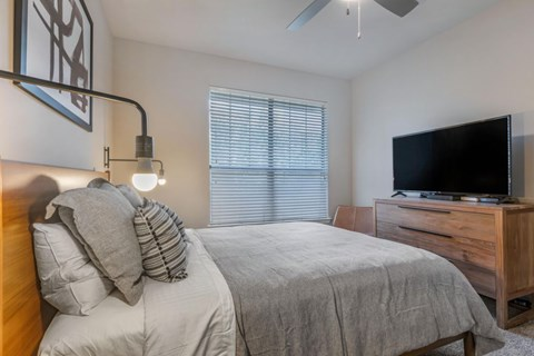 The Lincoln at Towne Square Apartments | Fully Furnished Bedroom
