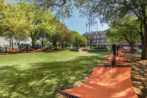 The Lincoln at Towne Square| Hammock Courtyard