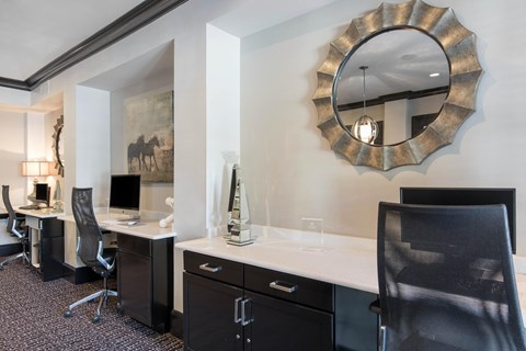 The Lincoln at Towne Square Apartments in Plano, TX Resident Business Center
