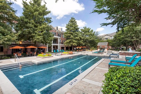 The Lincoln at Towne Square Apartments in Plano, TX Swimming Pool