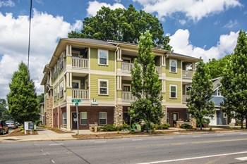 3306 N McDowell Street 1-2 Beds Apartment for Rent Photo Gallery 1
