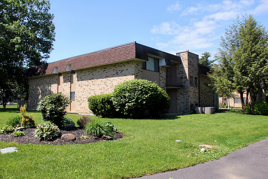 Tall Oaks Exterior with Landscaping