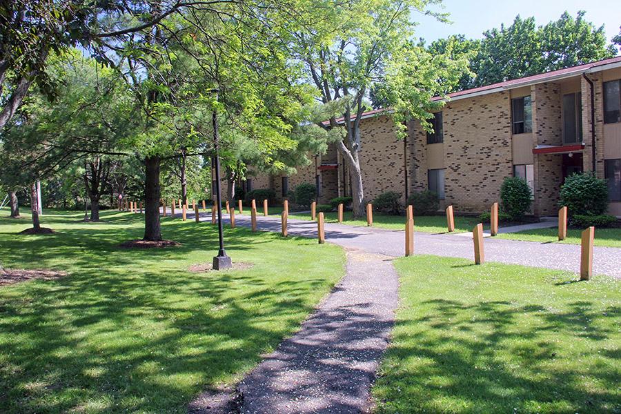 Tall Oaks Courtyard